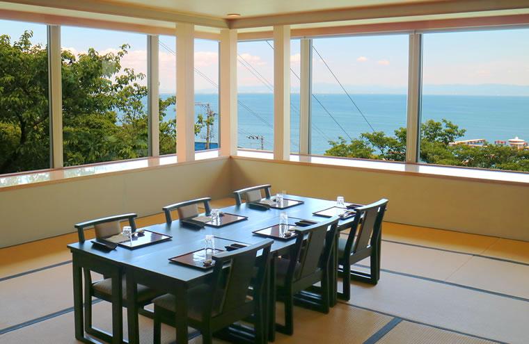 風情溢れる空間、極上の和食でご両家をおもてなし